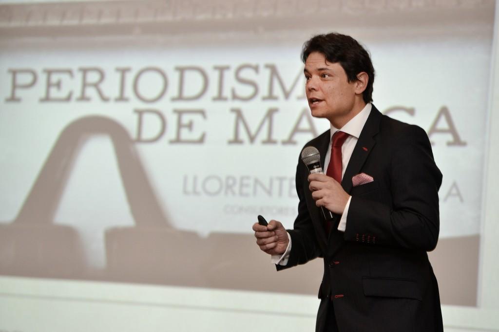 """Conferencia: """"Periodismo de Marca"""", Adolfo Corujo, 02-07-2014 Llorente & Cuenca, Bogotá, Junio - Julio 2014"""